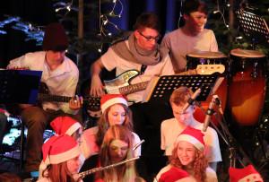 Das Weihnachtskonzert der Bigbands der Realschule Menden findet jedes Jahr im Dezember auf der Wilhelmshöhe statt.
